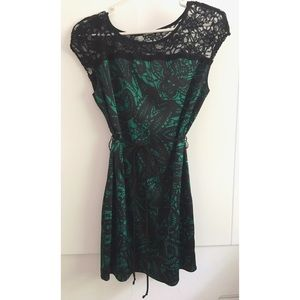 Express Green/Black lined dress with lace detail